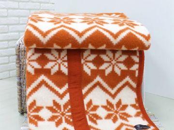 """Шерстяное одеяло """"Оранжевые снежинки"""""""