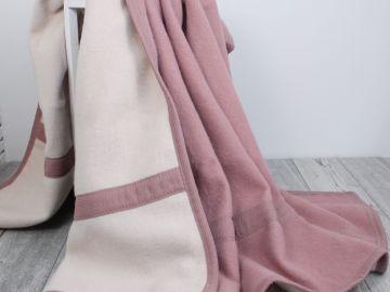 """Дизайнерское одеяло шерстяное """"Розовый пион"""""""